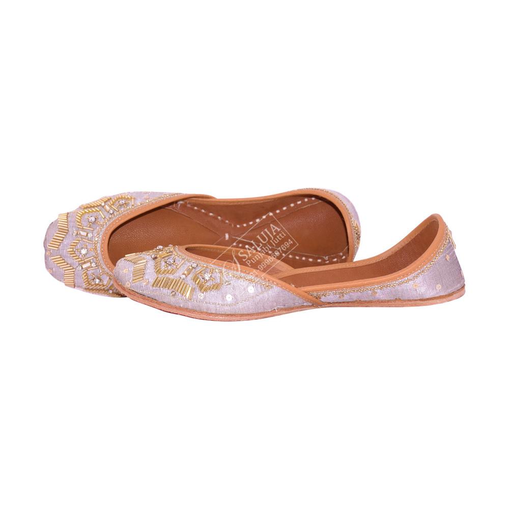 Punjabi Jutti Grey Color Jutti For Hand Work For Woman Heel Size: Flat