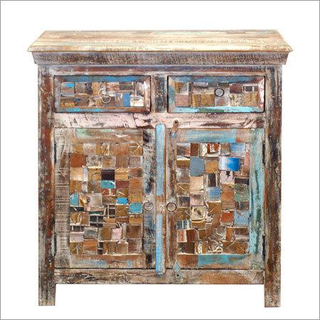 Wooden 2 Door 2 Drawer Sideboard