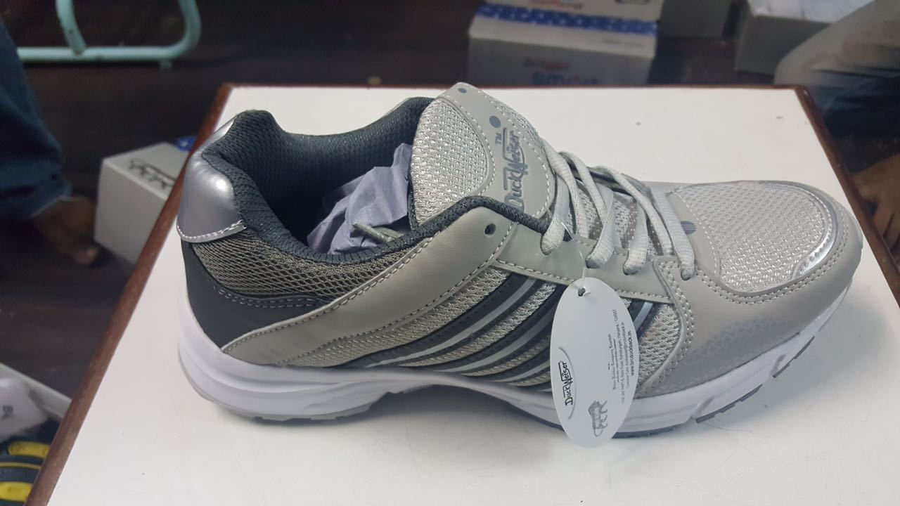 Sport shoes with multi colours