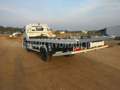 Recovery Vehicle - 04