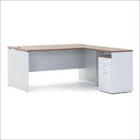 1500Mm Versaline Executive Table With Pedestal 077