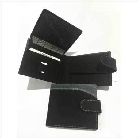 Sturdy Men snap closure wallet