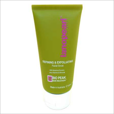 Lanopearl Refining and Exfoliating Scrub