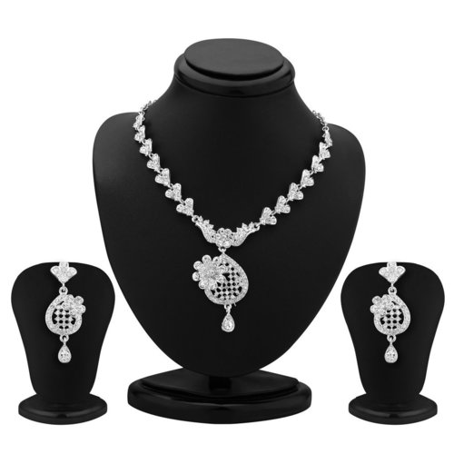 Gorgeous Rhodium Plated Necklace Set