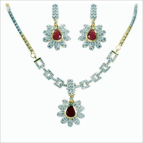 Ladies Stylish Necklace Set