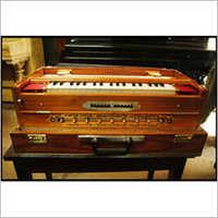 4 Reed Harmonium