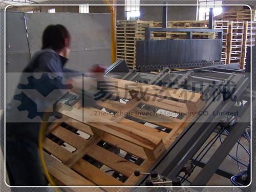 Manual Pallet Nailing Machine