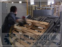 One Person EU Pallet Nailing Machinery
