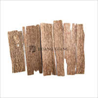 One Side Agarwood Chips Grade A
