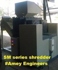 Scrap sheet metal shredder