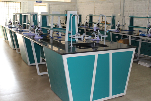 Laboratory Furniture Manufacturer in Bangalore