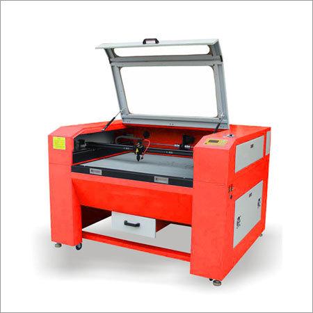 Small Scale Laser Cutter Machine