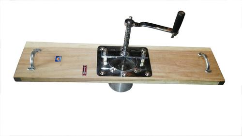 Hand Operate Sev Machine