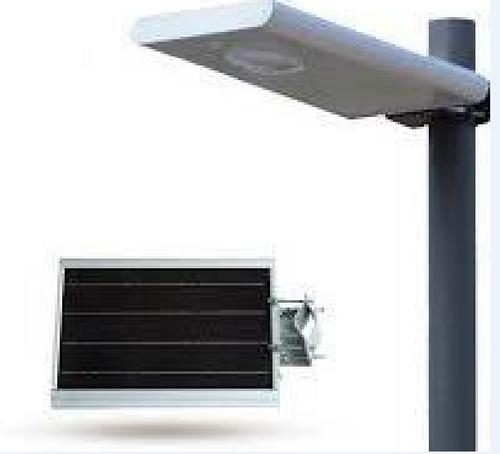 20 Watt All In One Solar Powered Street Light