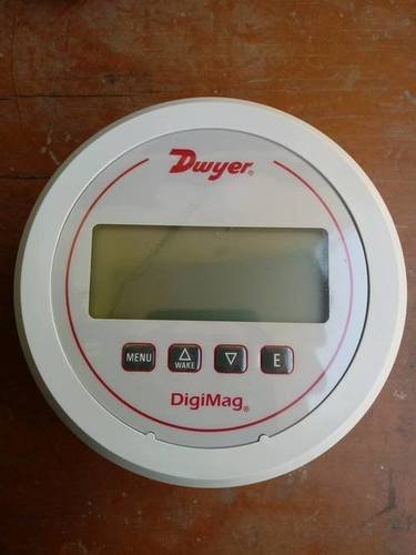 Dwyer USA DM-1105 DigiMag Differential Pressure & Flow Gauge (0-2″w.c.)
