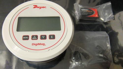 Series DM-1000 DigiMag Digital Differential Pressure and Flow Gages