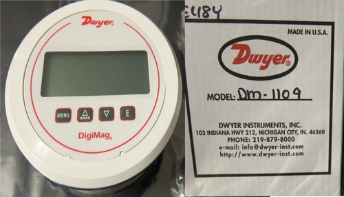 Dwyer USA DM-1109 DigiMag Digital Pressure Gauge