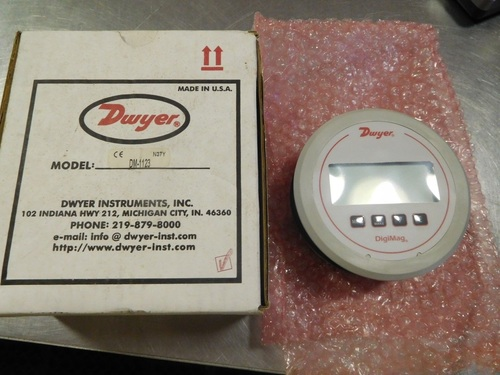 Dwyer USA DM-1123 Digi Mag Differential Pressure Gauge