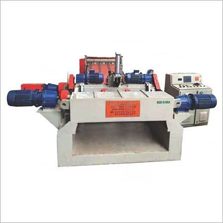 Spindle Less Log Peeling Machine