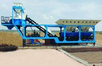 Compact mobile concrete batching plant