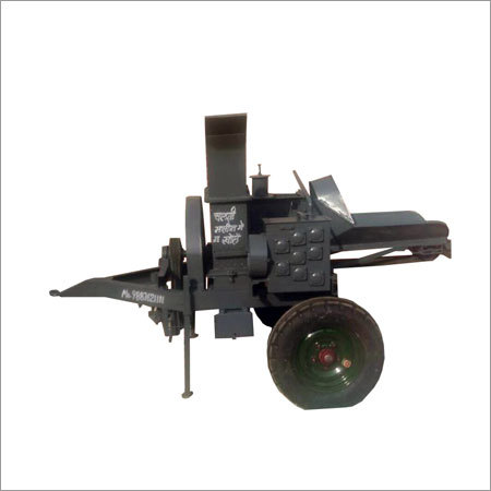 Triple Mouth Tractor Operated Chap Cutter Machine