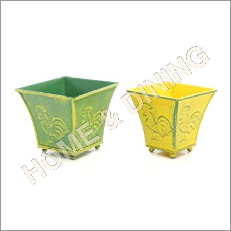Garden Planter Set Of 2 Cock Embossed