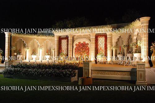 Mughal Pillar Stage