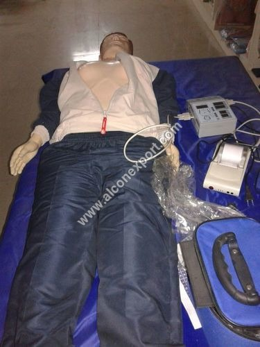 Full body CPr with Monitor