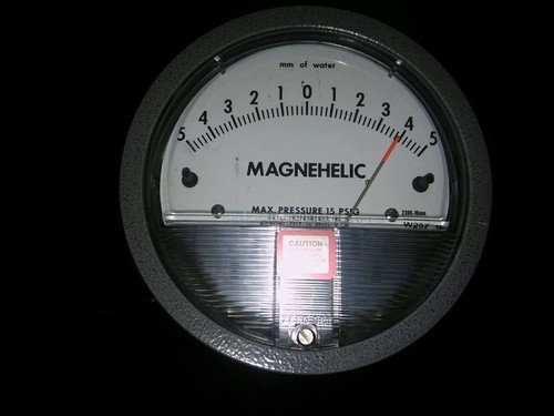 Dwyer USA Magnehelic Gauges 3-0-3 MM WC