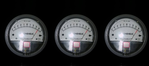 Dwyer USA Magnehelic Gauges 5-0-5 MM WC