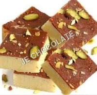 BARFI CHOCOLATE WITH PISTA ON TOP