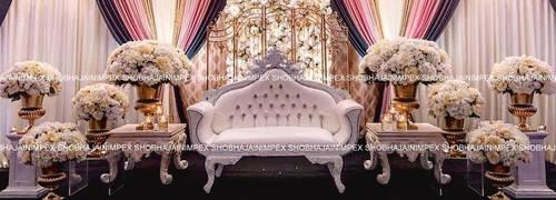 Stunning Furniture Set