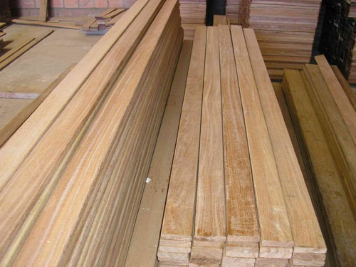 Yellow Meranti Wood