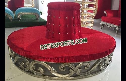Designer Round Sofa For Wedding