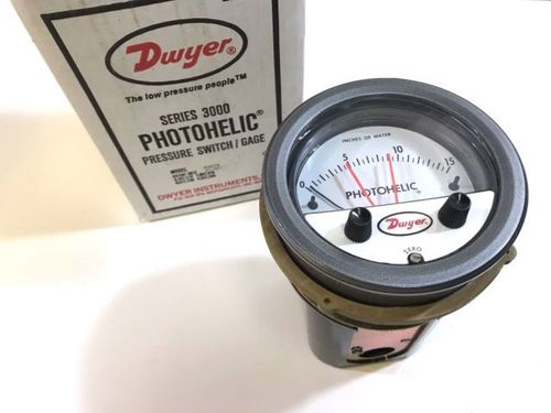 Dwyer 3000MR Photohelic,Switch/Gauge 0 to 4kpa