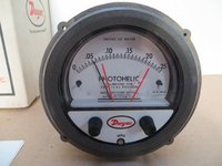 Dwyer 3000MR Photohelic Switch/Gauge 0 to 25 MM