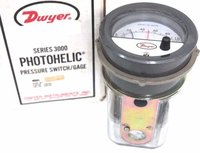 Dwyer 3010MRS Photohelic Switch/Gauge 0 to 10 inch