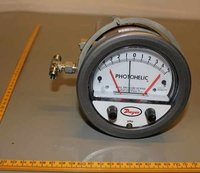 Dwyer 3000MRS Photohelic Switch/Gauge 0 to 20 CM
