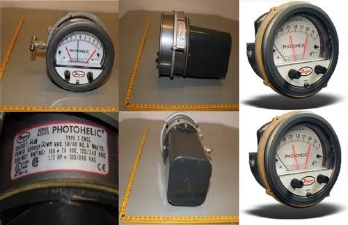 Dwyer 3000MRS Photohelic Switch/Gauge 0 to 1 kPa