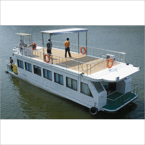 House boat 15-20m