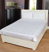 Home Elite Mattress Protector white