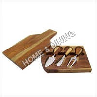 WOODEN CHOPPING BOARD WITH TOOL TRAY