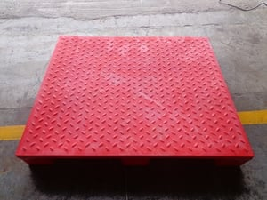 Checker Top Pallet With Safety Edge