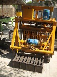 Solid or Hollow concrete Block making Machine