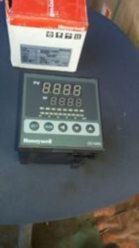 Honeywell PID Controllers DC 1040