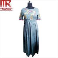 Ladies Rayon Parrot Designer Kurti