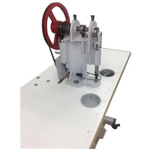 Snap Button Attaching Machine