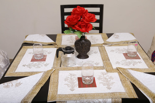 Table Cloths & Runners