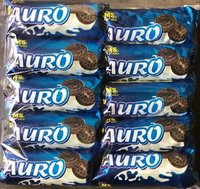 Biscoitos de creme do chocolate