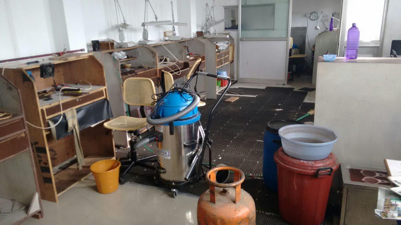 Dry Model Vacuum Cleaner